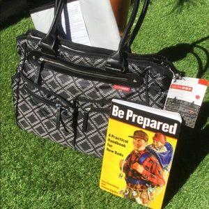 Diaper Bag and bonus book for dad's NWT